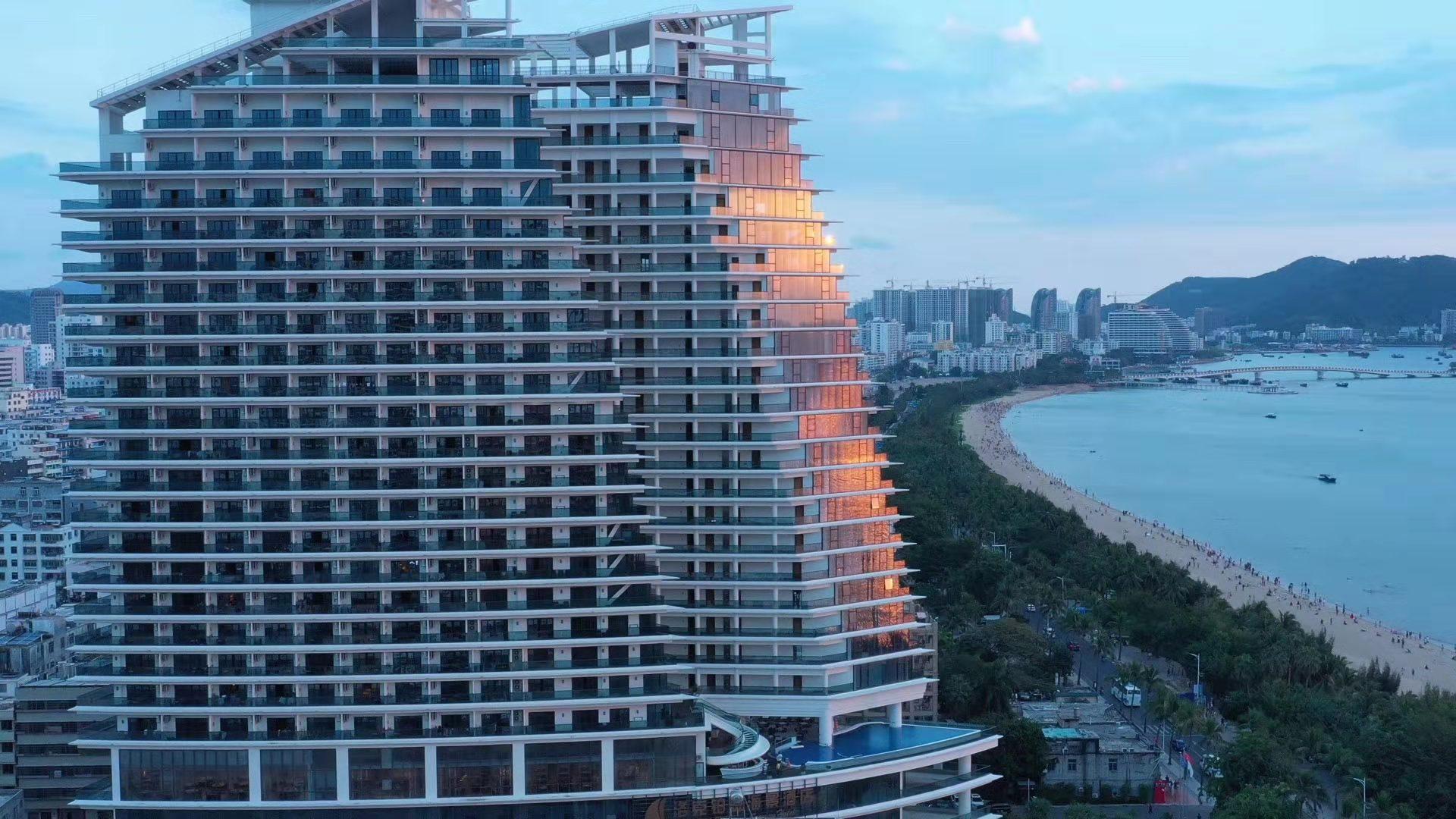 三亚洛克铂金海景酒店
